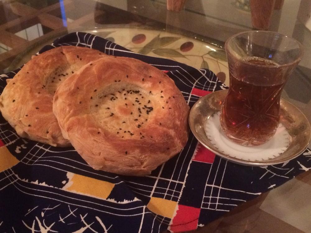 eattravelmeet_bread